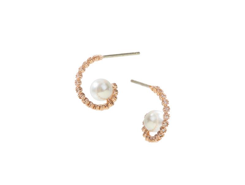扭曲的珍珠戒指